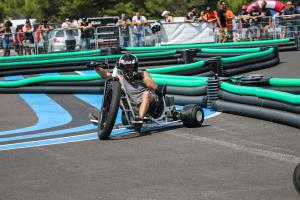Drift en cours avec les drift-trikes Mountain E-Park