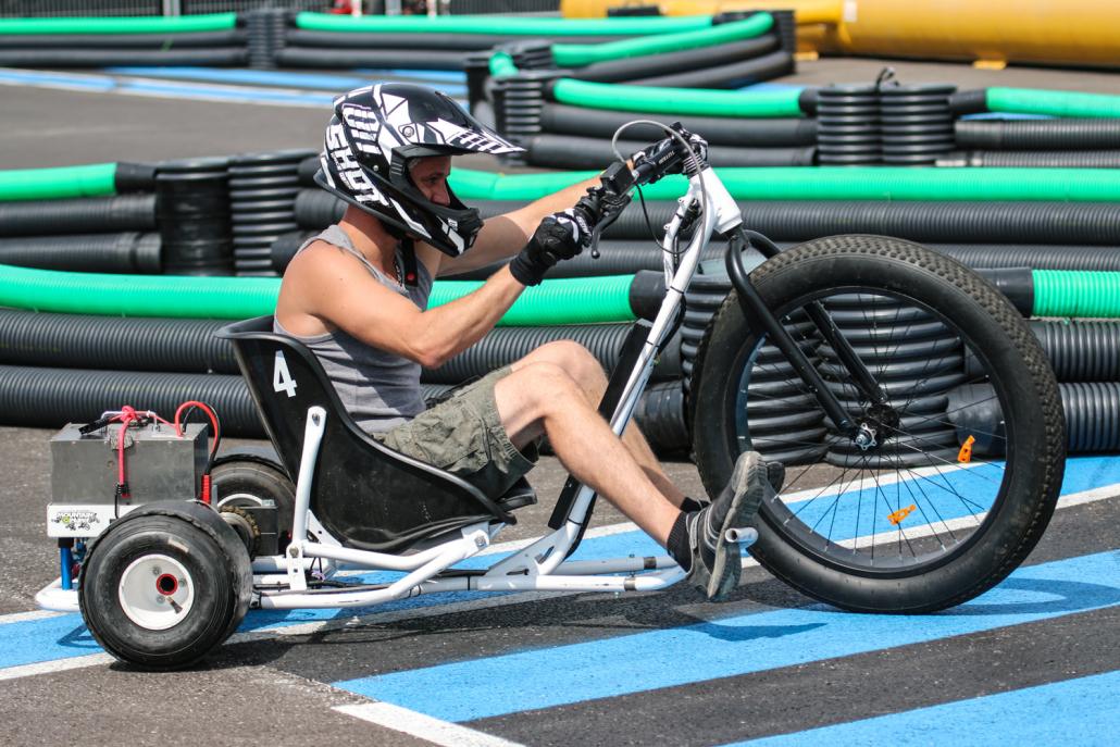 Drift-trikes avec trois roues et un moteur