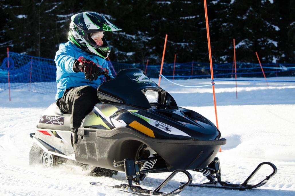 En toute sécurité, les enfants découvrent ce sport avec Mountain E-Park - Les Gets