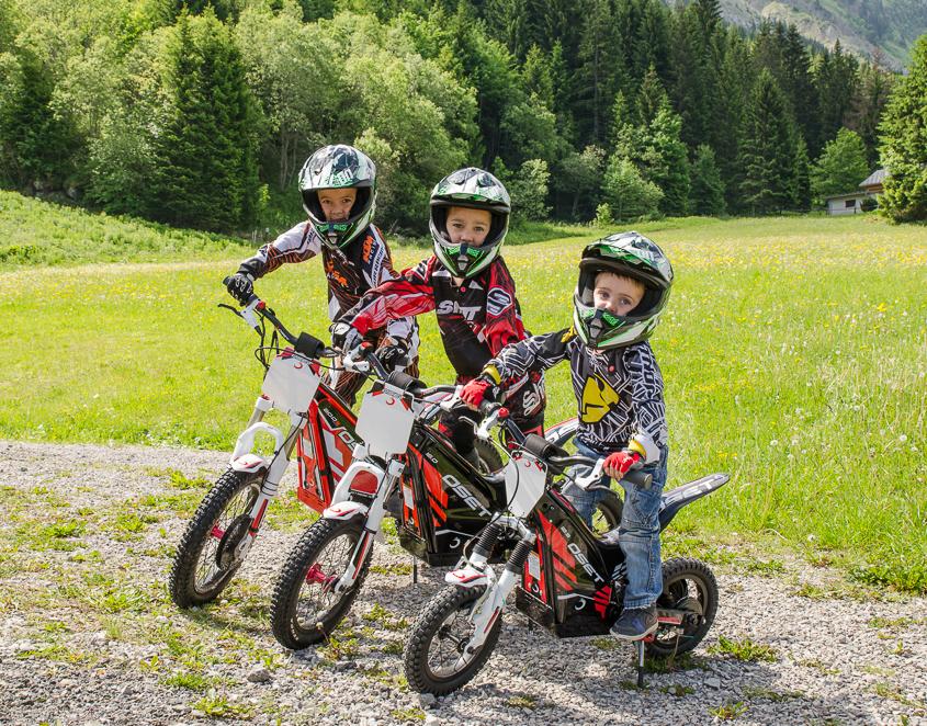 Il n'y a pas d'âge chez les enfants pour faire de la moto trial électique !