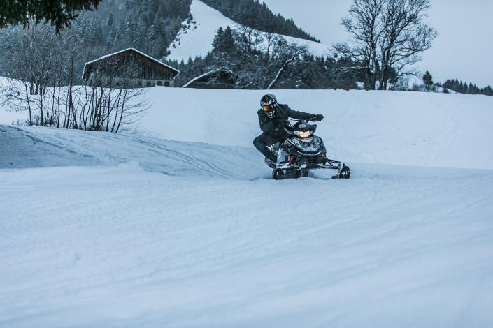 Évolution des motoneiges sur le Golf du Mont D'Arbois à Megève