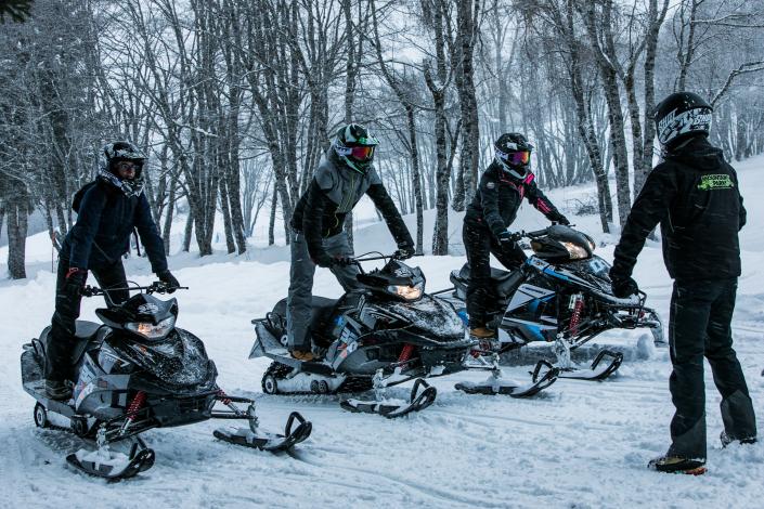 Le cours de motoneige débute sur le golf de Megève