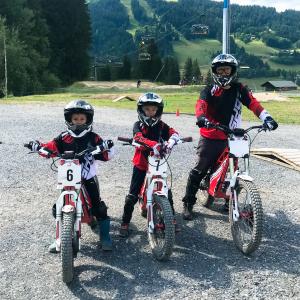 Moto trial en famille