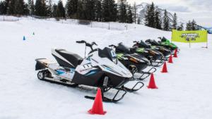 Les motoneiges de notre école d'Avoriaz à la fin de l'hiver !